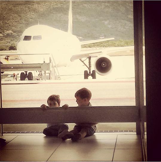 Volare oh oh: sobrevive al avión con niños