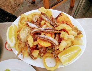 plato de fritura de pescaito