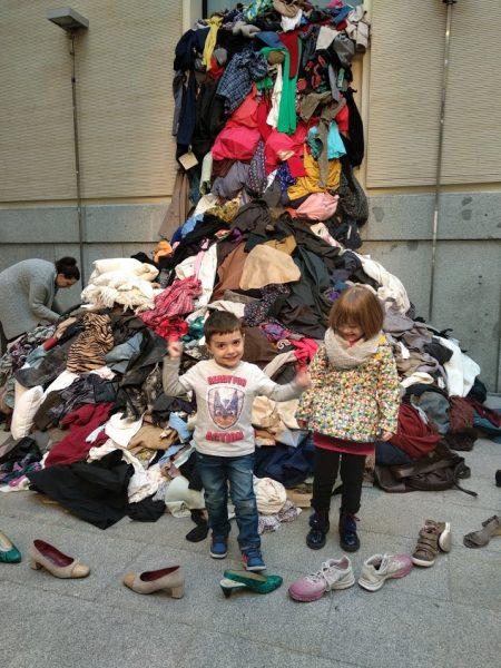 Aprendiendo reciclaje textil en La casa encendida