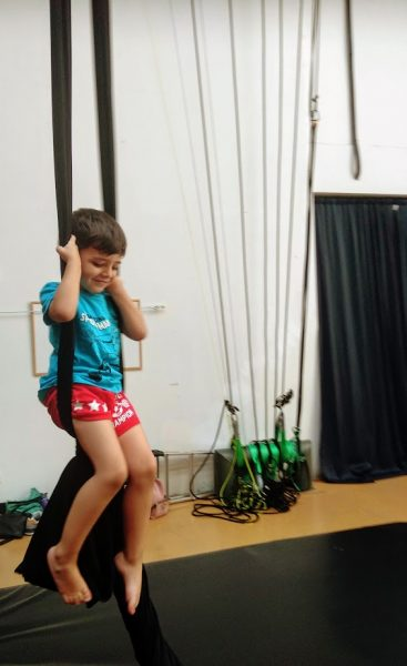 Danza aérea telas niños