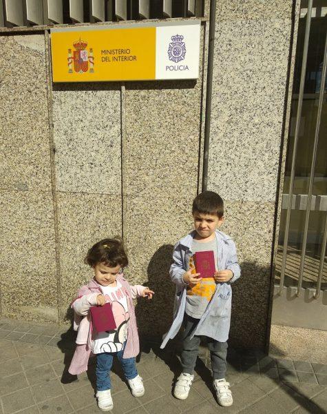 Niños con pasaporte Trámites necesarios para viajar a EE.UU con niños