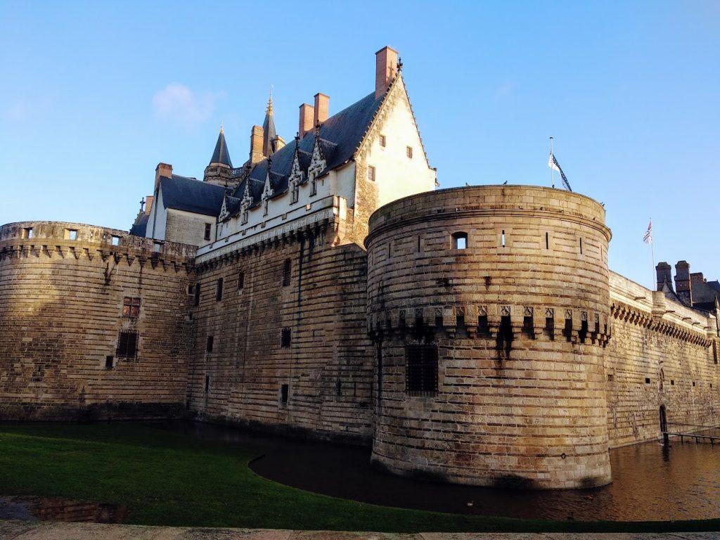 exterior castillo, foso
