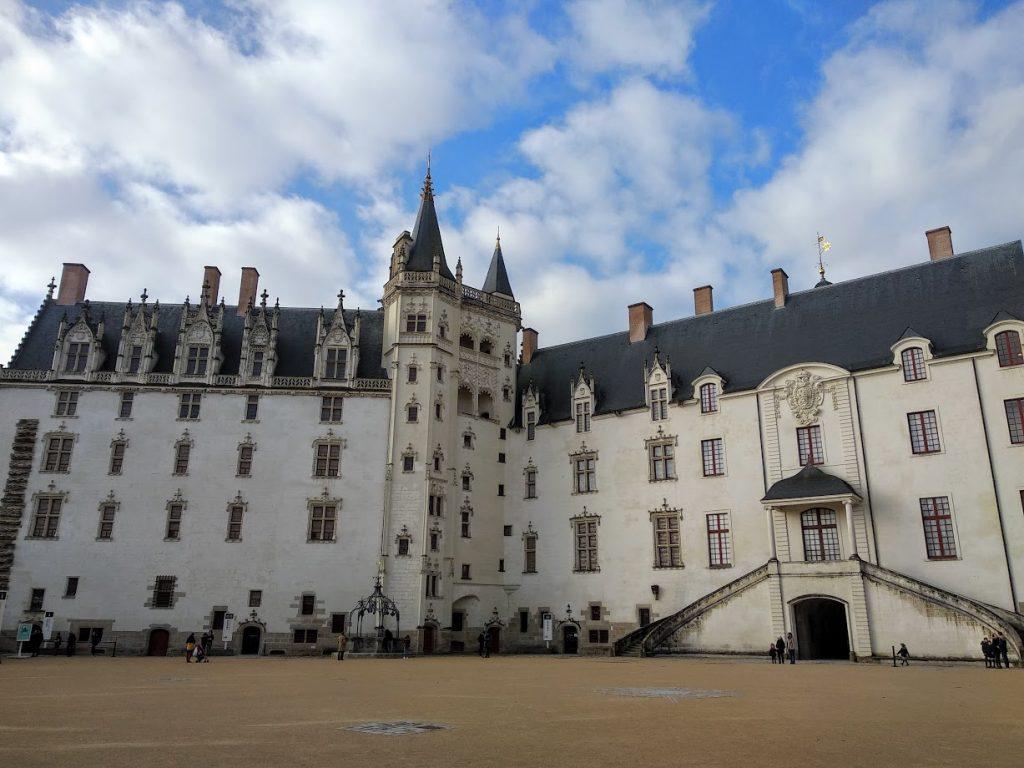 exterior castillo duques bretaña