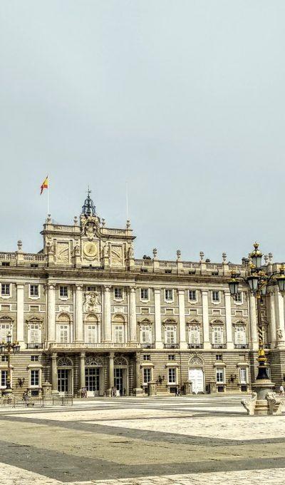 Palacio Real de Madrid con niños