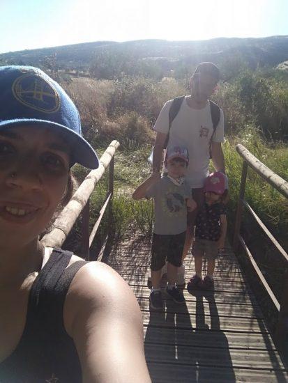 selfie familiar en uno de los puentes de la ruta