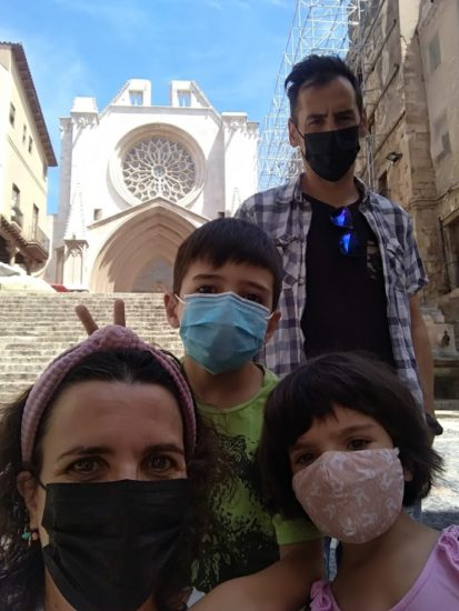 nosotros cuatro frente a la catedral
